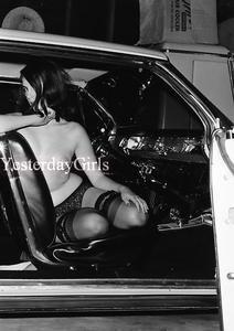 YGNB 7909 VINTAGE ELMER BATTERS 1960S NEGATIVE LEGS NYLONS HEELS TOES