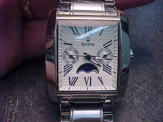 BULOVA RUNNING STAINLESS CALENDAR MOON PHASE MENS WRIST WATCH