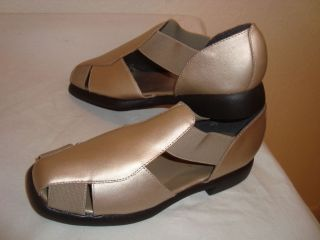 Cabin Creek Womens Metalic Beige Leather Shoes Sz 5 NW