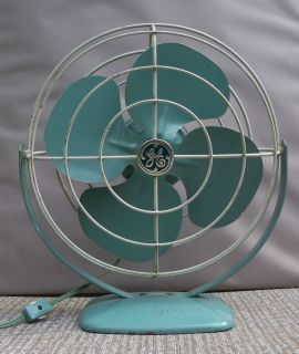 VINTAGE AQUA BLUE GREEN WHITE GE GENERAL ELECTRIC DESK PERSONAL FAN