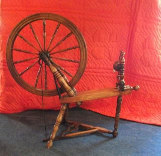 Canadian Production Antique Wooden Spinning Wheel