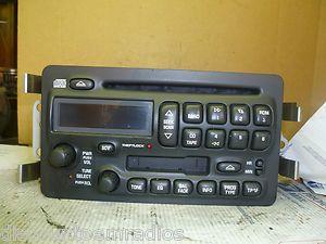 00 04 Pontiac Bonneville Radio CD Cassette Player 25753860