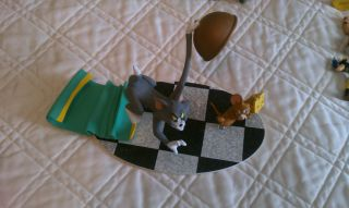 Barbera Tom and Jerry Its A Game of Cat and Mouse Statue Loose