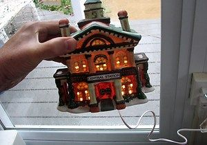 Hand Painted Porcelain Lighted Christmas Village House CENTRAL STATION