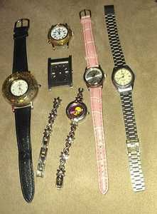 LOT OF WATCHES   GUESS  KIRK FOLLY   CHARLES RAYMOND   LORUS   TWEETY