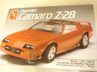 AMT Chevrolet Camaro Z 28 1 25th Scale Model Car Kit 20 Years Old