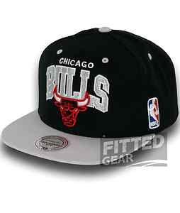 BULLS TEAM ARCH 2 TONE BK Black Snapback NBA Mitchell & Ness Hats Caps