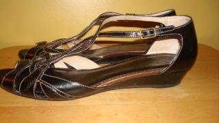 Clarks Artisan Womens Collection Dusky Hill Black Leather Sandal