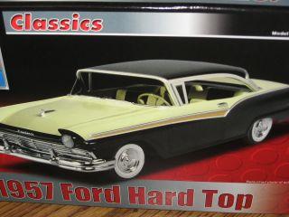1957 Classic Ford Hard Top Fairlane 500