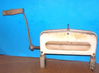 Antique Vintage Washer Washing Clothes Wringer Press