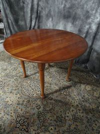 BEAUTIFUL SOLID CHERRY DESIGNER DINING ROOM TABLE SET ROUND