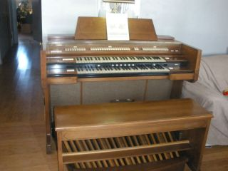 CONN ORGAN , Artist Model 721, Type 1   $260
