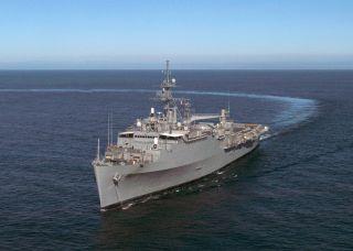USS Duluth LPD 6 Westpac Cruise Book Year Log 1998 Navy