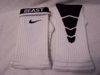 NEW Custom NIKE Football ELITE BCS Socks   White and Black   XL (12 15