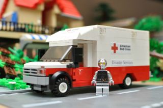 Custom Lego City Rescue Truck Red Cross Ambulance 7890 Hospital 7848