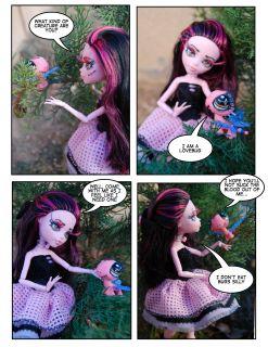 Monster High Repainted Draculaura & Littlest Pet (Cytherea & Love Bug