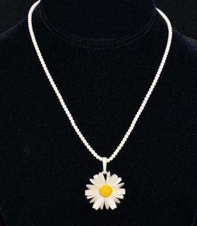 White Yellow Middles Carved Daisy Pendant Necklace Earrings Pin