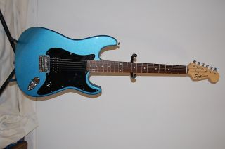 Squier Fender Strat Stratocaster Guitar Tom Delonge 182