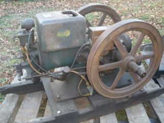 McCormick Deering Hit and Miss Engine Complete as Is Condition Froze 1