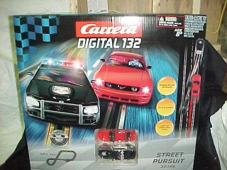 CARRERA Street Pursuit digital 1 32 scale slot car race track set w