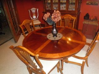 Dining Room Set Table w 6 Chairs Hutch Beautiful