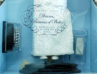 Franklin Mint PRINCESS DIANA Porcelain Doll in Long White Beaded Dress