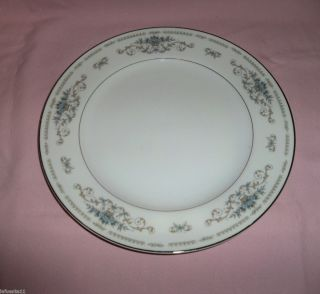 Diane Fine Porcelain China Japan Dinner Plates 10 G C