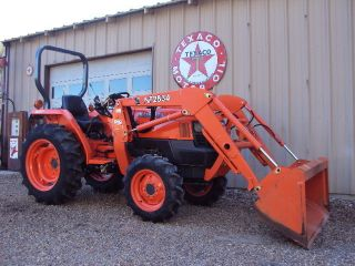 Kubota L2800 Hydrostat 4x4 Tractor loader package 156 hrs clean