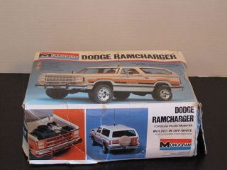 Monogram Dodge Ramcharger 1 24 Model Kit