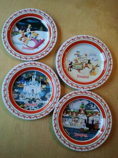 Exclusive 2007 Disney collector 4 tin kid plates Mickey Christmas