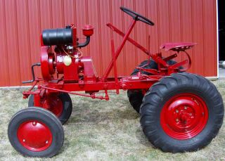 vintage 1946 Atomic Babe farm tractor of Doylestown Pa Novo engine