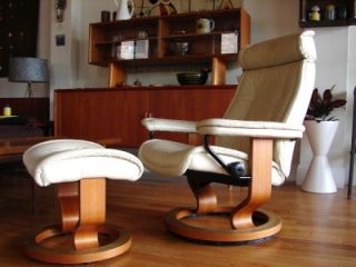 Ekornes Stressless Lounge Chair and Ottoman Off White Leather Teak