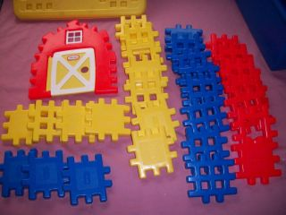 LITTLE TIKES VINTAGE WEE WAFFLE BLOCKS RED BLUE + 31 PIECES W STORAGE