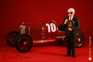 Christmas GIFT ENZO FERRARI FIGURE FIGURINE NOTEBOOK MODEL 1 18