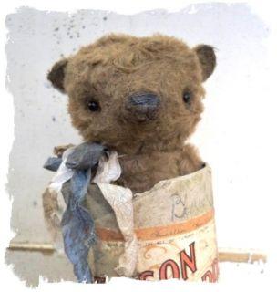 Itty Bitty Bear in Vintage Edison Record Box ★ Whendis Bears