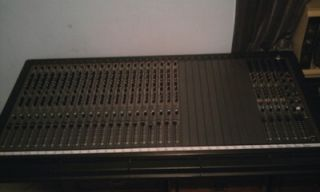 Pro Recording Studio Mixing Board 32 Channel Expandable Interface and