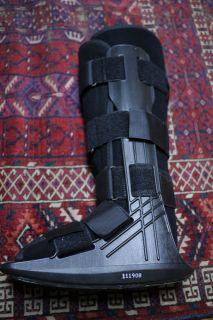 Adult Medical Equalizer Air Walk Leg Brace Boot w Liner Adult Medium