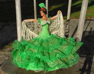 VINTAGE SPANISH FLAMENCO DANCER DOLL GREEN DRESS LACE SHAWL MARIN