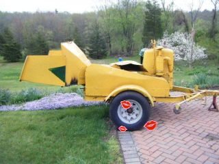 Fitchburg 4 Cylinder Gas Wood Chipper Chuck and Duck Style