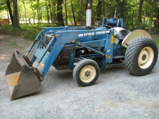 Ford 2000 tractor loader ag turf tires 2wd gas three point hitch pto