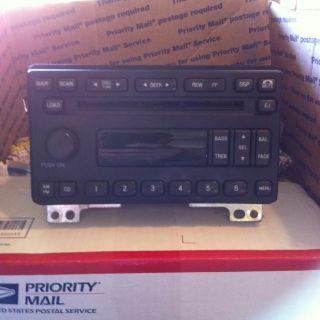 Ford Explorer 6 Disc CD Changer in Dash Radio 2002