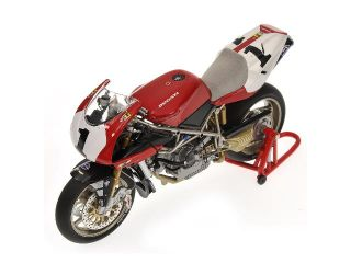 Minichamps Carl Fogarty Team Ducati Corse 916 World Champion WSB 95
