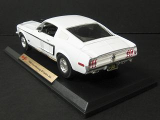 1968 Ford Mustang GT Cobra Jet Diecast Model White 1 18 Scale Maisto