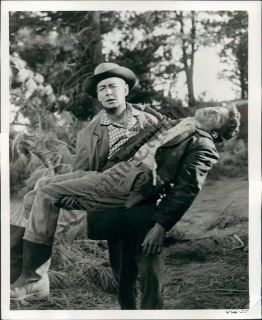 CT PHOTO age 957 Alan Ladd & Frankie Avalon GUNS OF THE TIMBERLAND