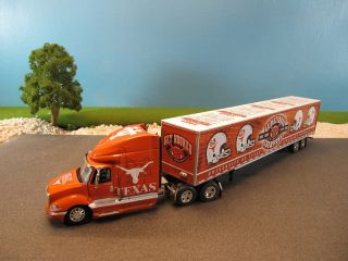 DCP Diecast International Tractor Semi Texas Longhorns Football 1 64
