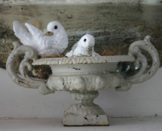Concrete cement pair of doves birds garden decor statues figurines