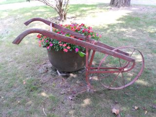 Vtg Rustic Hand Garden Cultivator Wheel Plow Implement Yard Ornament