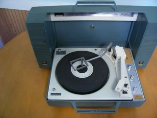 ge wildcat portable record player in green vintage turntable built in