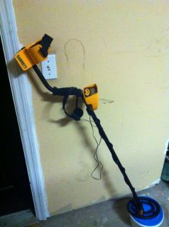 Garrett Ace 250 Metal Detector with 2 Year Garrett Warranty + Free
