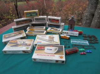 BACHMANN LIFE LIKE HO Scale Train Set in Boxes